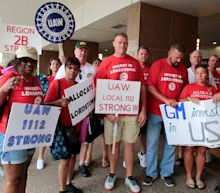 UAW boosts strike pay for GM factory workers