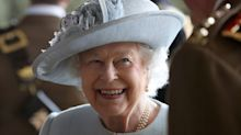Australian MPs are being flooded with requests for a photo of the Queen by citizens