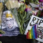 Mourners pay tribute to RBG outside Supreme Court