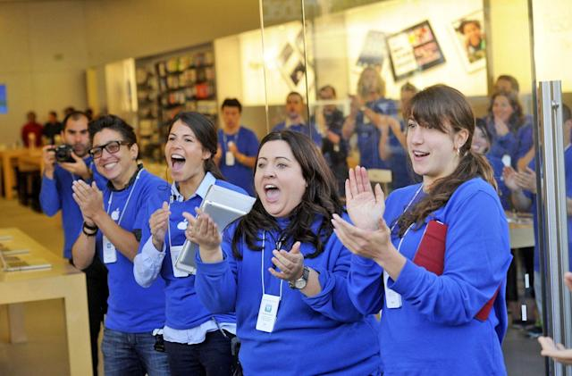 Apple will pay out $2 million to California retail employees