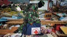 Continuam as buscas na Indonésia após tsunami que fez mais de 1.640 mortos