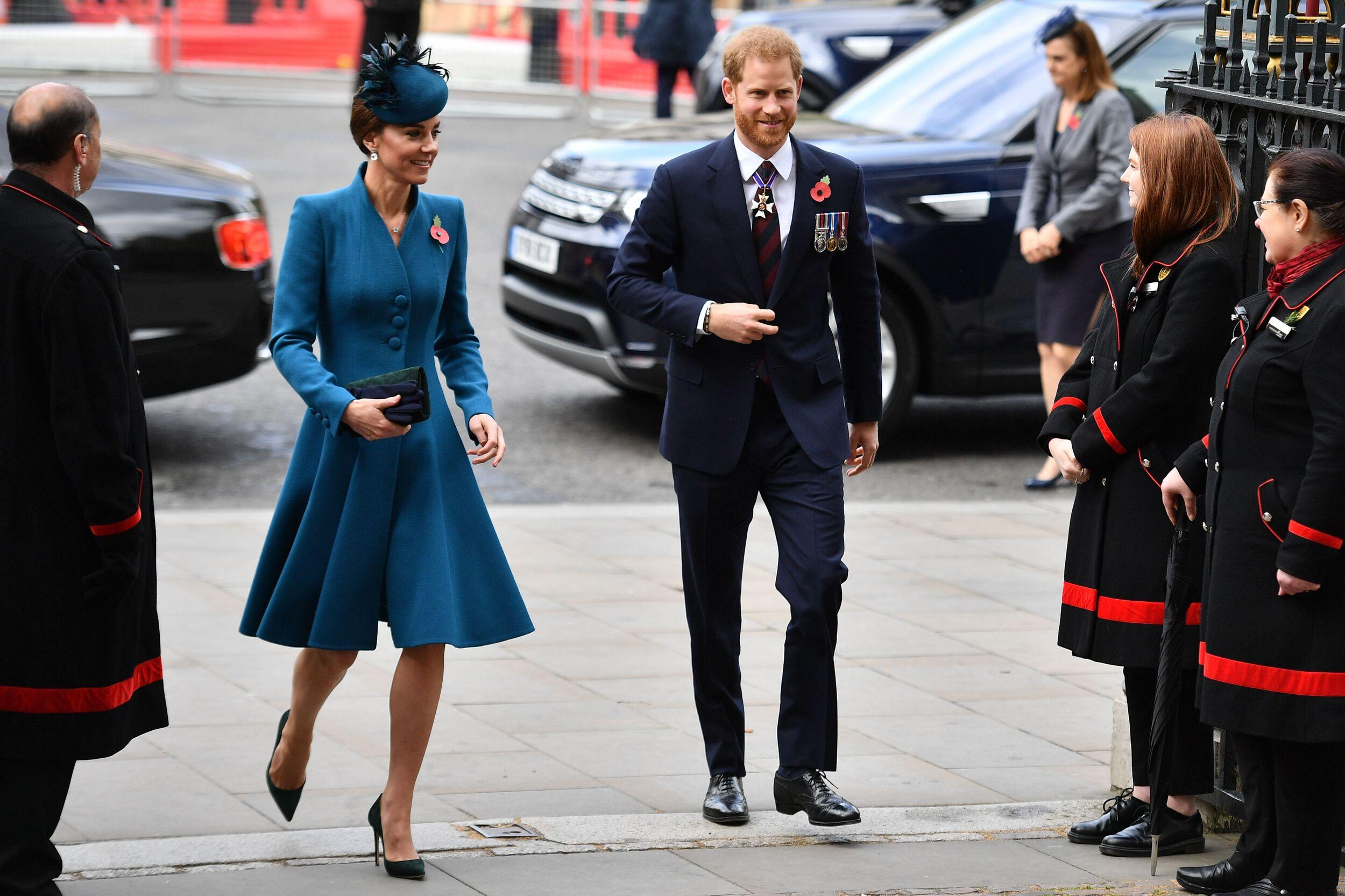 Britain's Catherine, Duchess of Cambridge, (L) and Britain's Prince Harry, Duke of Sussex, (R) arrive to attend a service of commemoration and thanksgiving to mark Anzac Day in Westminster Abbey in London on April 25, 2019. - Anzac Day marks the anniversary of the first major military action fought by Australian and New Zealand forces during the First World War. The Australian and New Zealand Army Corps (ANZAC) landed at Gallipoli in Turkey during World War I. (Photo by Daniel LEAL-OLIVAS / AFP)        (Photo credit should read DANIEL LEAL-OLIVAS/AFP/Getty Images)