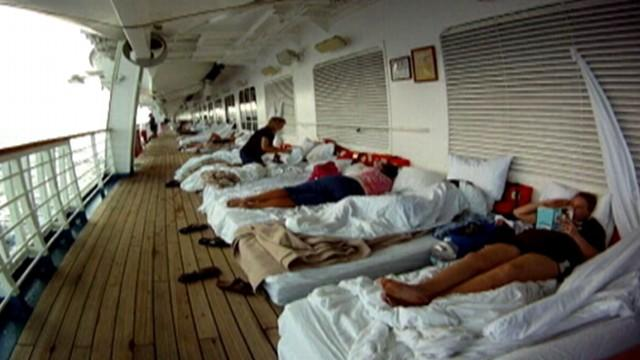 Carnival Cruise Ship Broke Away from Port with 800 Onboard