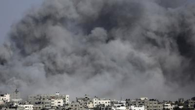 Gaza Residents Mourn Dead Amid Airstrikes