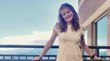 Perdió ambas piernas y lo toma con humor para presentarse en Tinder
