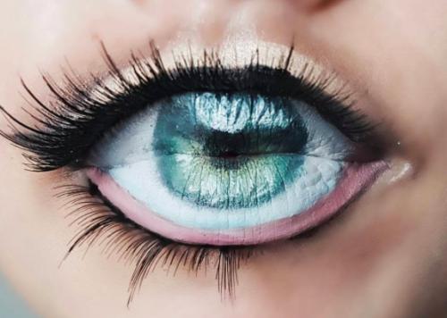 Eyeball lip art