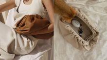 「沒有標誌、沒有肩帶又不實用」:Daniel Lee 直言 Bottega Veneta 的「雲朵包」成功全靠兩個關鍵!