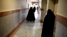 "Arrestan por ""blasfemia"" a la influencer iraní comparada con Angelina Jolie"