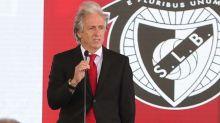Incomodado, Jorge Jesus cobra mais cinco reforços no Benfica