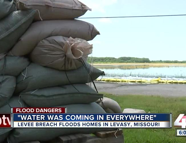 Resident flee Levasy after Missouri River levee breach