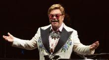"""Elton John: """"Si no hubiera pedido ayuda hace 30 años, estaría muerto"""""""