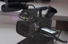 JVC's 4K camcorder inches closer to reality, getting smaller all the time