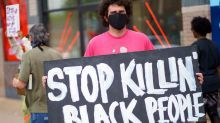 """""""Non respiro"""": polizia lo blocca, afroamericano muore"""