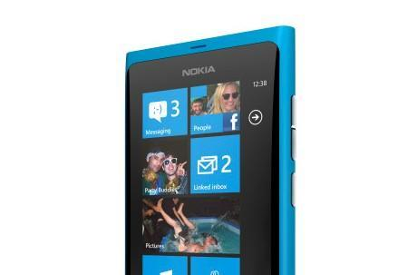 Nokia announces the Lumia 800, the 'first real Windows Phone' (video)