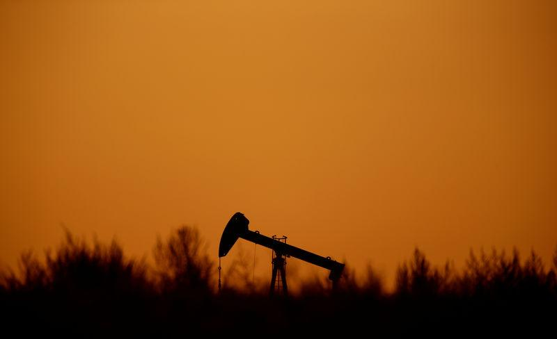Oil Prices Unmoved By Surprise Crude Build