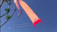 Susto em Taiwan: criança de três anos fica pendurada em pipa e decola a 30 metros de altura; assista
