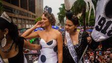 Paolla Oliveira e Leandra Leal resumem Carnaval com chuva em 5 fotos