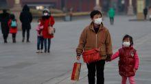 OMS se corrige e diz que é 'elevado' risco internacional de contaminação por coronavírus