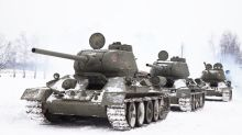 Romantic officer uses tanks to propose to his girlfriend