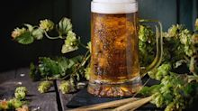 ¿Quieres saber por qué es mejor servir la cerveza con espumas?