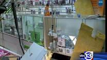 Crooks steal store cell phones smash and grab burglary