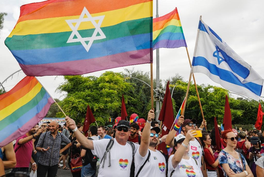 Gay Israelis Hold Mass Wedding To Campaign For Same