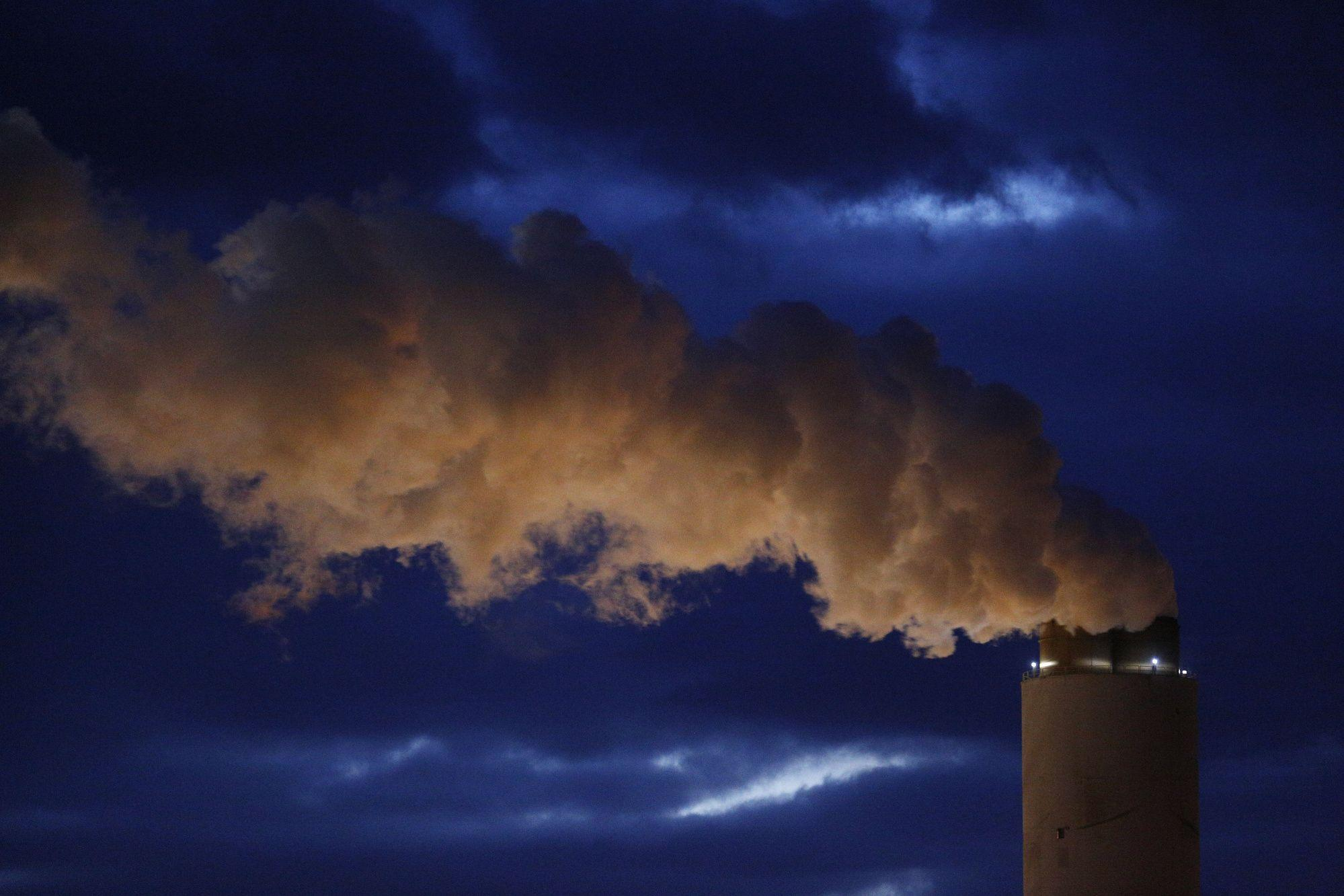 Environment agency gutting rule credited with coal-plant toxic air cleanup