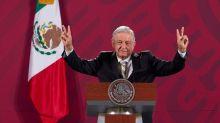 """López Obrador confirma comprador de avión presidencial tras """"éxito"""" de sorteo"""