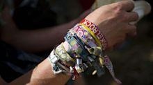 Festivalbändchen: Sind die Erinnerungsstücke am Handgelenk ungesund?