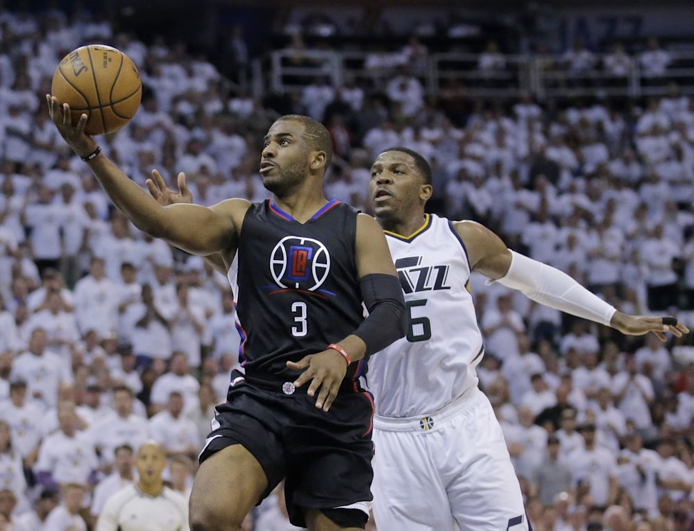 The Clippers should work to keep Chris Paul a part of their future. (AP)