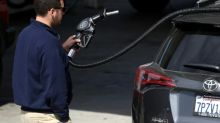 Gasoline prices drag down US inflation, retail in May