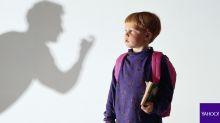 Enseña a tu hijo a cuidarse de extraños, sin asustarlo