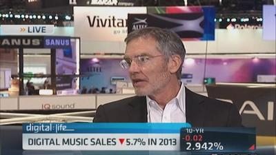Clear Channel CEO: Radio not going through decline