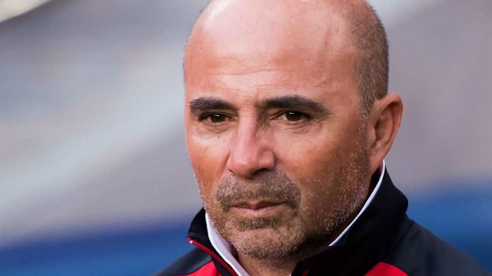 Sampaoli makes case for two-man Argentina defence