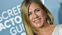 Jennifer Aniston urges fans to wear masks as she shares photo of hospitalised friend