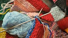 Fazer tricô reduz ansiedade, depressão e demência, aponta pesquisa