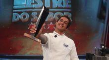 Dário, ex-MasterChef, faz menu sem erros e é campeão do 'Mestre do Sabor'