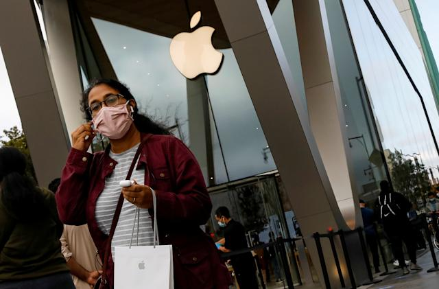 Apple closes stores in California and the UK as COVID-19 cases soar