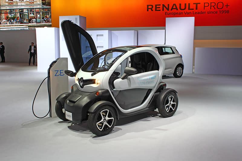 儘管非屬商用車範疇,Renault還是展出他們的都會化電動雙座小車Twizy。
