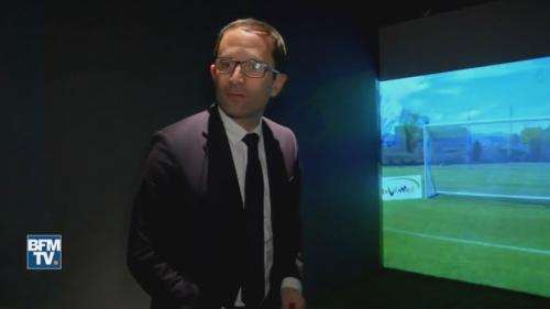 VIDEO. Benoît Hamon en échec sur penalty au musée des Verts