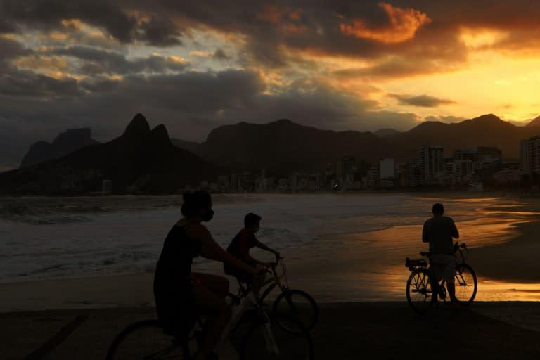 Rio de Janeiro is reopening despite Brazil's surging coronavirus outbreak (AFP Photo/CARL DE SOUZA)
