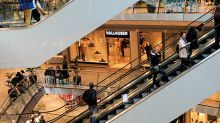 Does CapitaLand Mall Trust's (SGX:C38U) PE Ratio Signal A Buying Opportunity?