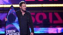 Chris Pratt Makes First Appearance Since Anna Faris Split at 2017 Teen Choice Awards
