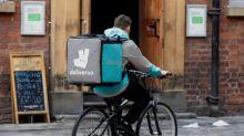 Amazon compra participación en firma de entrega de alimentos Deliveroo