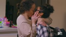 Awkward mother-daughter kiss on 'Teen Mom 2' sets Twitter ablaze