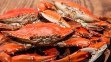 她生吃30隻螃蟹 體內慘狀曝光 醫一看驚呆:都是蟲
