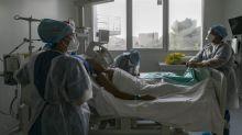 """""""La hantise, c'est de revoir un débordement des hôpitaux"""", prévient l'infectiologue Anne-Claude Crémieux"""
