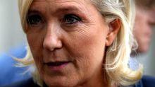 Emplois fictifs au parlement européen: Marine Le Pen devant les juges«en octobre»