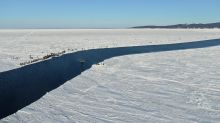 Hundreds of fishermen rescued from giant ice floe