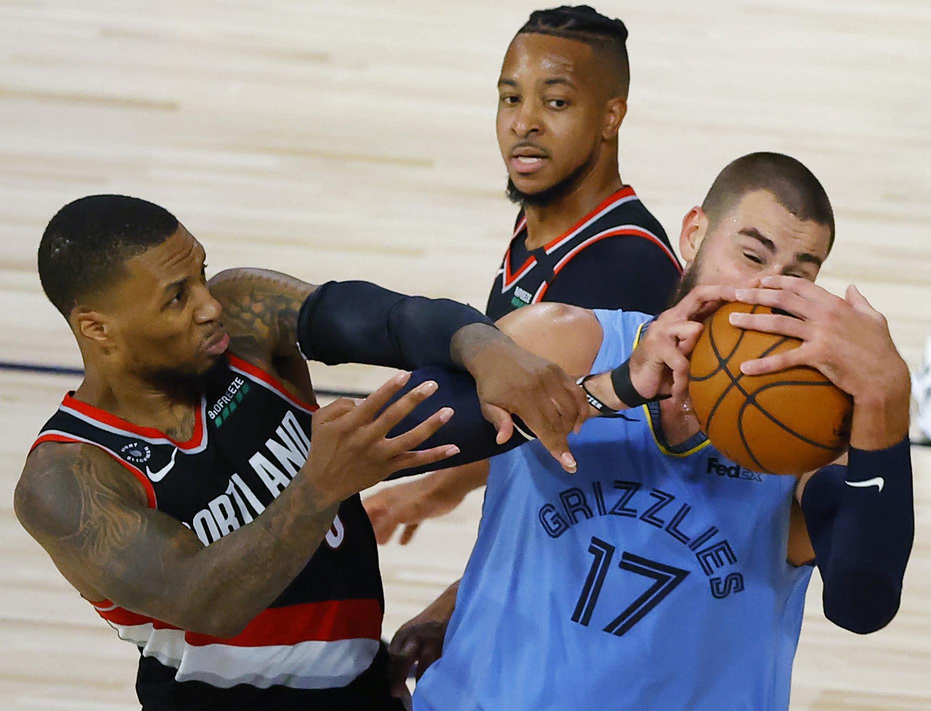 Portland alcanza la postemporada al vencer a Memphis